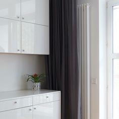 Biuro w domu. Elegancki meble do każdego wnętrza. #interiors #office #homedesign #furniture #office #biuro #wnętrza #projektowanie #architektura #architekt Best Cities, Warsaw, House Design, Windows, Curtains, Flooring, White Furniture, Modern, Interiors