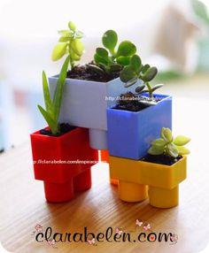 Reciclar juguetes: macetas by ClaraBelenGomez