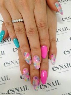 Nails: Floral nails and flower nail art inspirations for this spring