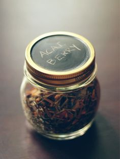 Amanda Wright over at Wit & Whistle came up with this stylish use for a jar! It will certainly add style to your kitchen. Loose leaf teas... | http://putitinajar.com/crafts/diy_tea_storage_jars/