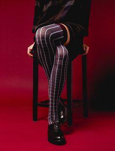 Ian Lanterman Photography, Crossed legs.
