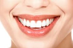 Cosmetic dentistry helps many people get a confident smile, and also corrects many dental anomalies. Six of the most common cosmetic dental procedures are. Health Guru, Health Trends, Oral Health, Health Fitness, Gum Health, Women's Health, Straight Teeth Without Braces, Pasta Dental Casera, Get Whiter Teeth
