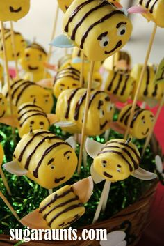 Honey Bee Marshmallow pops - would make a cute decoration and favors for a baby shower