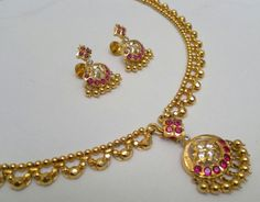 Chandraminni Gold Jewellery Design, Gold Jewelry, Ruby Necklace Designs, Kerala Jewellery, Chains, Bangles, Collections, Blouse, Accessories