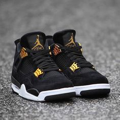 Nike Air Jordan 4 Retro Royalty