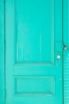 What I call turquoise. For me this is perfect!  My absolute favorite color...