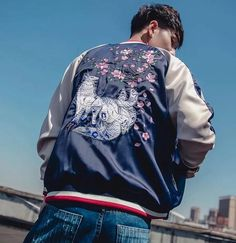 Japanese Bomber Jacket, Fox Embroidery, Japanese Outfits, Red Interiors, Streetwear Fashion, Sleeve Styles, New Fashion, Street Wear, Street Style