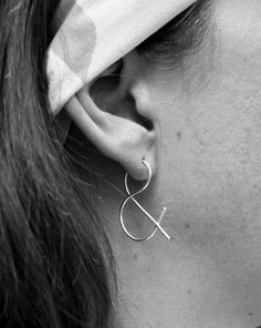 & ampersand punctuation earrings! brilliant and literary