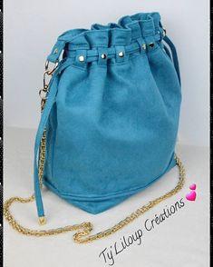 """Ty'Liloup Créations sur Instagram: Vraiment je suis fan de ce modèle de sac seau """"Calypso"""" de Sacôtin 🥰 La suedine bleu canard apporte de la douceur à cette réalisation…"""