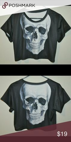Black Skull Crop Tshirt Top  No Flaws - no size tag, would best fit a small or medium - very shiny stretchy material // tags: goth gothic punk rock rockabilly skulls skeleton horror print dark halloween creepy spooky Tops Crop Tops