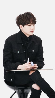 Black hair suga will forever be my favourite thing in the whole world