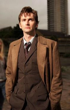 First and last words of each doctor (plus causes of regeneration) . David Tennant Doctor Who, Film Structure, Peter Davison, Woman Meme, Tv Doctors, Dr Browns, Date Outfit Casual, 10th Doctor, Dating Tips For Women