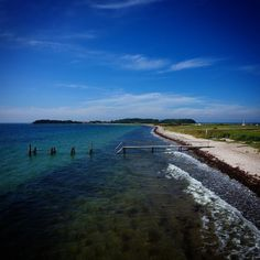 Torø  #visitfyn #fyn #nature #visitdenmark #naturelovers #nofilter #natur #denmark #danmark #dänemark #landscape #nofilter #assens #mitassens #vildmedfyn #fynerfin #drone #visitassens #instapic #picoftheday #beach #sommer #sky #oktober #sea #strand #torø #sailing