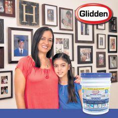 Ana Pérez ama su colección de fotos tanto como a su hogar y a su familia, por eso protege su techo con Glidden Hydrosteel 9900. Sólo Glidden puede traerte #Hydrosteel, el único sellador que protege tu techo con 1 sola capa.  ¡Consíguelo en tu tienda Glidden más cercana!