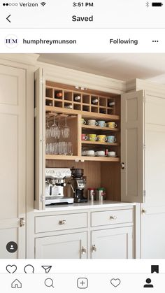 Awesome 38 Modern Pantry Deisgn Ideas For Small Kitchen. # bar ideas kitchen cabinets 38 Modern Pantry Deisgn Ideas For Small Kitchen Family Kitchen, Diy Kitchen, Kitchen Storage, Kitchen Decor, Kitchen Modern, Kitchen Ideas, Pantry Shelving, Pantry Ideas, Kitchen Pantry Cabinets