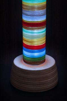 "ezebee.com - Stehlampe ""Mixed Stripes"" mit Farbwechsel"