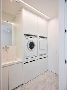 E-mail - nicky huybrechts - Outlook Modern Laundry Rooms, Laundry In Bathroom, Interior Design Living Room, Living Room Designs, Küchen Design, House Design, Utility Room Designs, Laundry Room Inspiration, Laundry Room Storage