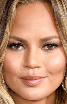 Close-up of Chrissy Teigen at the 2015 Grammy Awards.