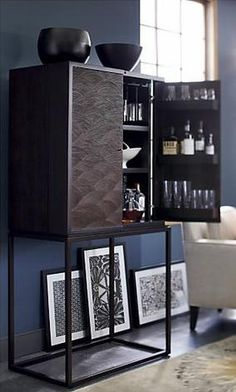 newport beach: why not set up a holiday bar cart? Custom & DIY Minibar Design Inspirations and Ideas for your Mancave Bar Furniture, Living Room Furniture, Furniture Design, Bernhardt Furniture, Gold Bar Cart, Bar Cart Decor, Drinks Cabinet, Loft, Interior Design