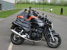 Bilderesultat for triumph speed triple 900 owners club Triumph Cafe Racer, Triumph Motorcycles, Cafe Racers, Triumph Triple, T 300, Mk1, Cool Bikes, Club, Street