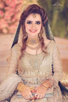 Indian Bridal Wear & Wedding Dresses online Ideas, Images, Photos online on Happy Shappy. You can save the beautiful collection on your dream board. Pakistani Wedding Outfits, Pakistani Bridal Wear, Bridal Outfits, Bridal Dresses, Pakistan Bride, Pakistan Wedding, Bridal Looks, Bridal Style, Walima Dress
