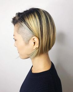 Join the punk fashion crew with a cool crop and an edge. View these expertly done cuts to get in on the undercut bob trend right away! Quick Braided Hairstyles, Black Hairstyles With Weave, Curly Weave Hairstyles, Bob Hairstyles For Fine Hair, Undercut Hairstyles, Curly Hair Styles, Pixie Hairstyles, Trendy Hairstyles, Short Bob With Undercut