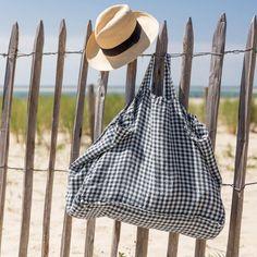 Grand sac cabas en lin lavé vichy anthracite Linge Particulier · Photo Le Petit Florilège · Richard Malaurie