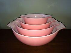 Very Rare Vintage Pyrex Solid Pink Full Set Cinderella Nesting Bowls