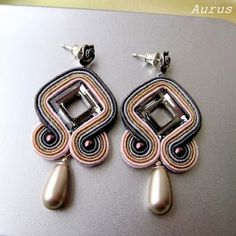 color & Design Diy Rings, Rings Cool, Clay Jewelry, Beaded Jewelry, Braids With Beads, Soutache Earrings, How To Make Earrings, Shibori, Beaded Embroidery