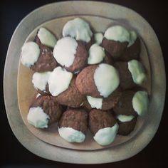 Galletas dos chocolates.