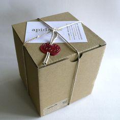 Handmade Profiles: Amy Keller of Apidae Candles #packaging