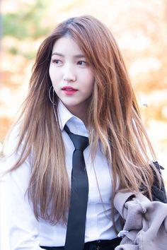 Gfriend performance at Hello Mr. K at Chungnam National University 181025 Cr : owner Sinb Gfriend, Gfriend Sowon, South Korean Girls, Korean Girl Groups, Cloud Dancer, Bts And Exo, G Friend, Girls Generation, Role Models