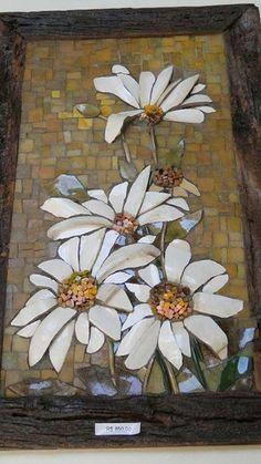 Pike assiette or picassiette mosaic, DIY beautiful frames Mosaic Tile Art, Mosaic Artwork, Mosaic Diy, Mosaic Garden, Mosaic Crafts, Mosaic Projects, Mosaic Glass, Mosaic Mirrors, Mosaic Designs