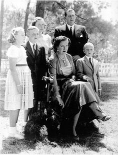 Count and Countess of Barcelona with their children Princess Victoria, Queen Victoria, Spain History, Bourbon, Luis Xiv, Barcelona, Spanish Royalty, Spanish Royal Family, Don Juan
