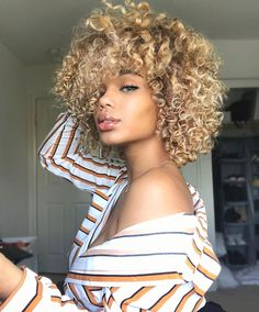Natural beauty of the day #CurlyTreats Pictured: @thereallialovee Visit us on curlytreats.co.uk