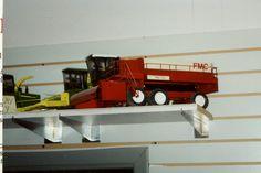 1/24 scale FMC 156 pea combine