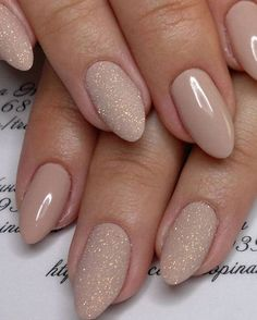 Gorgeous nude nail polish will make your fingers look slenderer and longer. Gorgeous nude nail polish will make your fingers look slenderer and longer. If you are short of nail design ideas, read this article that will surely help you. Happy try. Matte Nails, Diy Nails, Glitter Nails, Diy Manicure, Manicure Ideas, Short Nails Shellac, Acrylic Nails, Glitter Converse, Glitter Lipstick