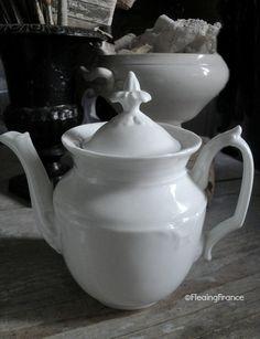 Porcelain of Paris Tea Pot - 1800's