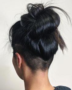 Undercut Fade Hairstyle, Shaved Undercut, Undercut Hairstyles Women, Cool Hairstyles, Undercut Styles, Undercut Women, Long Hair With Undercut, Undercut Ponytail, Side Undercut