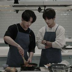 Taekook, Bts Eyes, Bts Group Photos, Cant Help Falling In Love, Vkook Fanart, Best Boyfriend, Learn Korean, Min Suga, About Bts