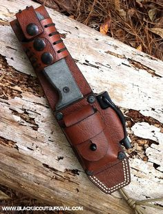 f31890ceb57 Today I m excited to share the Re-Design of the HedgeHog Leatherworks  Blackbird sheath with you guys. Most of you are familiar with t.