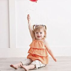 FREE pattern for this adorable little girl's halter top, with three bias-cut ruffles. Can't wait to try it.