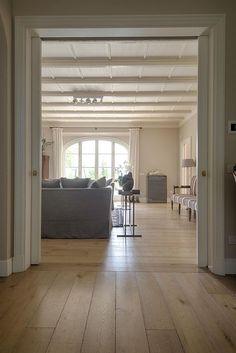 Living Room Themes, Living Room Decor On A Budget, Home Interior Design, Interior And Exterior, Interior Decorating, Italian Farmhouse, Modern Farmhouse, Floor Colors, Room Planning