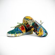 Recycled Rubbish Sneakers - Your Shoes are Rubbish Turns Ocean Trash into Sleek New Shoes Colorful Sneakers, Colorful Shoes, Waste Art, Plastic Shoes, Old Shoes, Plastic Waste, Consumerism, Unisex, Sustainable Fashion
