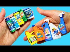 How to make Miniature Cleaning Products- 10 Easy DIY Miniature Doll Crafts - simplekidscrafts Diy Tumblr, Miniature Crafts, Miniature Dolls, Dollhouse Miniature Tutorials, Dollhouse Accessories, Barbie Accessories, Diy Dollhouse, Dollhouse Miniatures, Barbie Dolls Diy