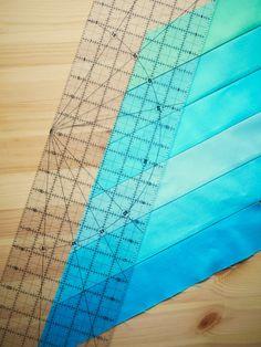 Tips & Tricks: Lone Star Quilt – Story Workshop - Hayat Kisa Lone Star Quilt Pattern, Star Quilt Blocks, Star Quilt Patterns, Strip Quilts, Easy Quilts, Scrappy Quilts, Bargello Quilts, Quilting Tips, Quilting Tutorials