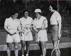 The Tennis Greats: Steffi Graf – Learn Tennis Club Tennis Serve, Play Tennis, Tennis Bags, Tennis Clothes, Tennis Rules, Steffi Graf, Tennis Equipment, Tennis Workout, Bjorn Borg