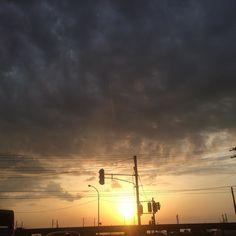|||夕焼け 春 空 晴れ 素材として使用可||| April 24 2017 at 06:14PM ||| nagamel.tumblr.com Tumblr, Clouds, Celestial, Sunset, Outdoor, Outdoors, Sunsets, Outdoor Games, The Great Outdoors