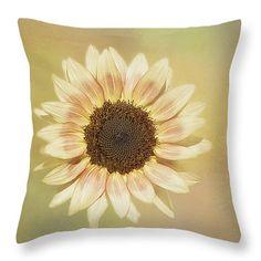 #pillow #throwpillow #forthehome #HomeIdeas #decor #interiordecor #garden #nature