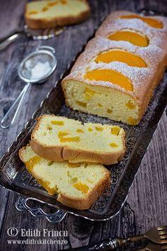 Chec cu piersici Banana Bread, French Toast, Breakfast, Desserts, Drink, Food, Banana, Morning Coffee, Tailgate Desserts
